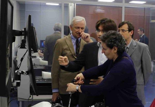 В ходе визита представители делегации университета им. Франсуа Рабле посетили Центр прорывных исследований и лабораторию Клиник СамГМУ