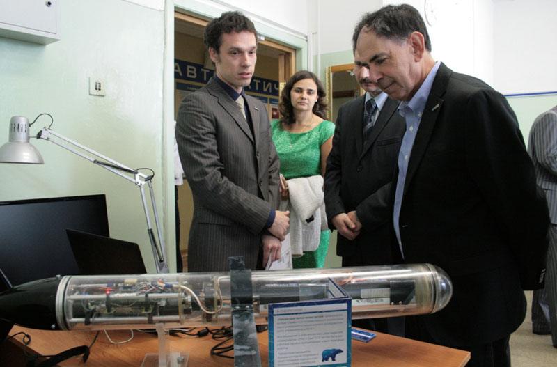 Профессор аэронавтики, астронавтики и инженерных систем Массачусетского технологического института (MIT, USA) Эдвард Кроули побывал в этом году с визитом в Самарском университете